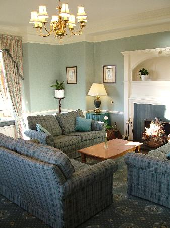 Cragwood Country House Hotel: Drawing Room