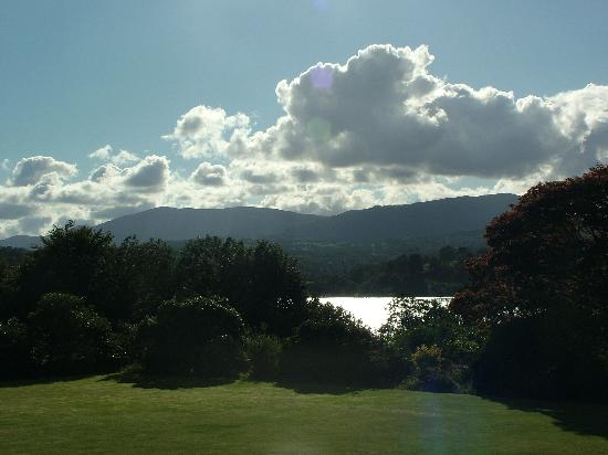 Cragwood Country House Hotel: Lake Windermere View From Gardens
