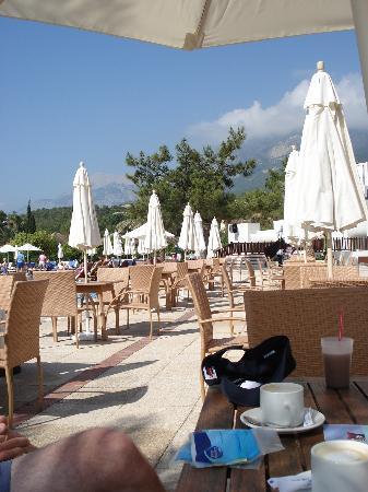Club Med Palmiye: Bar area seats