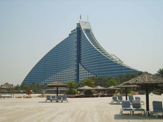 Jumeirah Beach Hotel: The view of the hotel from the beach.