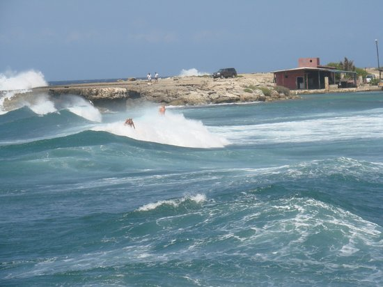 Curaçao: surfs up, Playa Canoa