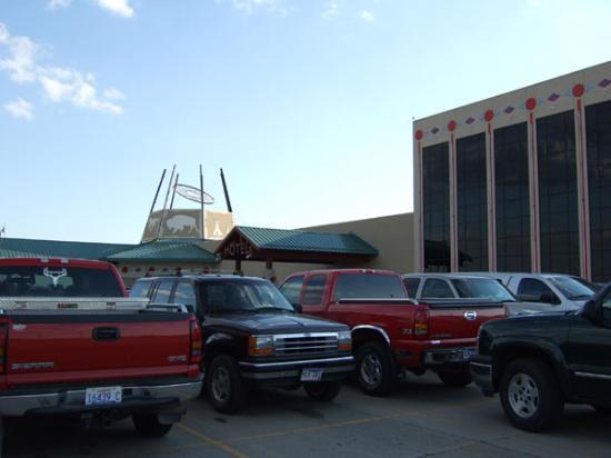 Dakota Sioux Casino & Hotel: view from parking lot