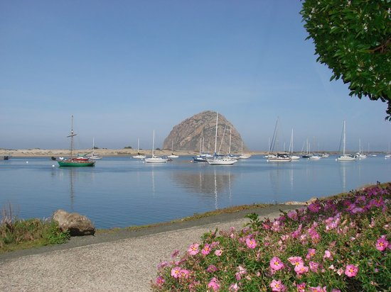 Morro Bay, CA: morro rock early morning
