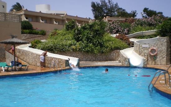 SBH Crystal Beach Hotel & Suites: Piscina toboganes hotel Monica Beach