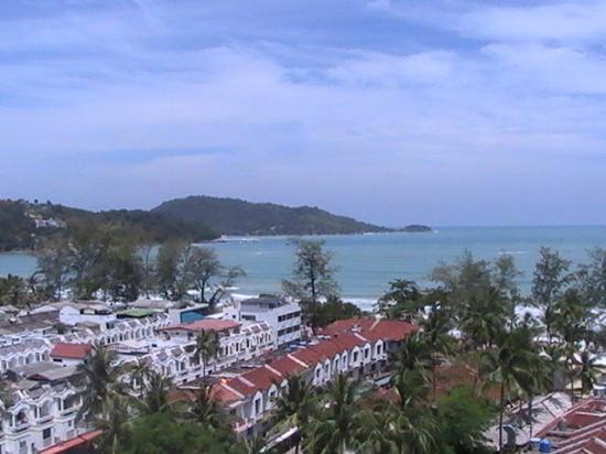 Patong Beach Hotel: View from tenth floor