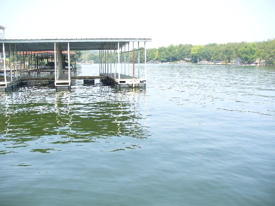 Country Inn Lake Resort: Great docks for boating