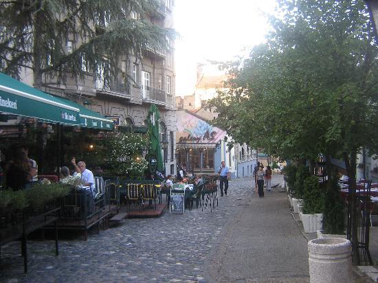 Hotel Le Petit Piaf: Hotel street 2