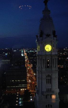 The Ritz-Carlton, Philadelphia: CITY HALL VIEW FROM THE CLUB