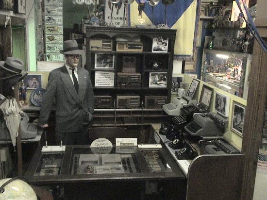 Metropolis, IL: Clark Kent's Office