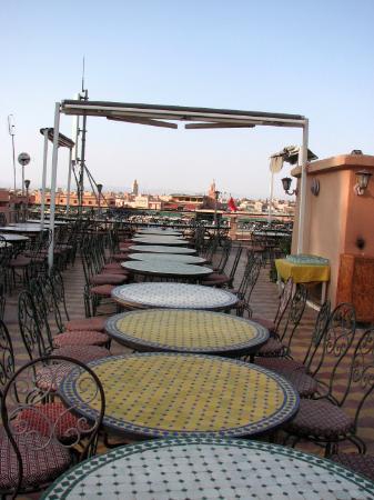 Hotel Ali : la terrasse (buffet le soir)