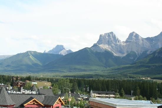 Canmore Crossing: Another view