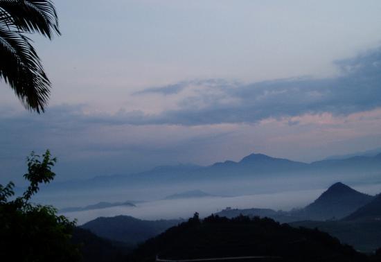 Sun Moon Lake: in the early morning