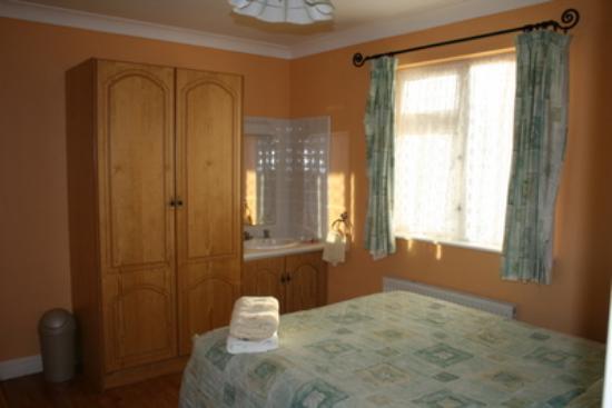 Seacrest: Room, clean