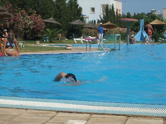 Majesty Golf Hotel : piscine