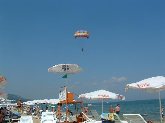 Hotel Astoria Palace: Aport activities on the beach