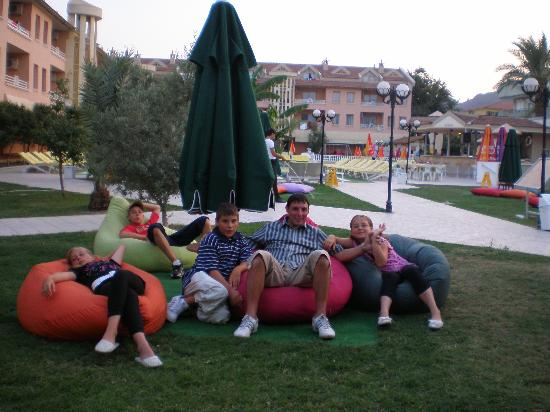 Club Kocer Apartments: bean bags in gardens at kocer