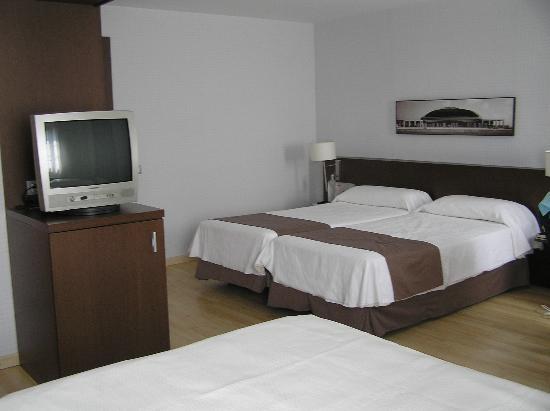 Hotel Rekord: triple room