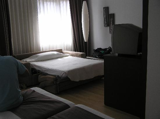 Hotel Rekord: another view of the triple room