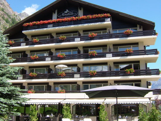 Hotel Mirabeau: Matterhorn View Rooms & Restaurant Terrace