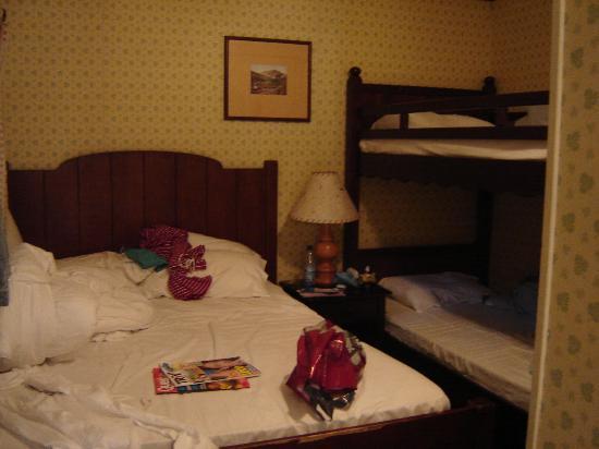 Disney's Davy Crockett Ranch : Sleeping room