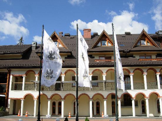 Belvedere Hotel: Hotel Exterior