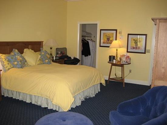 BEST WESTERN PLUS Elm House Inn: room
