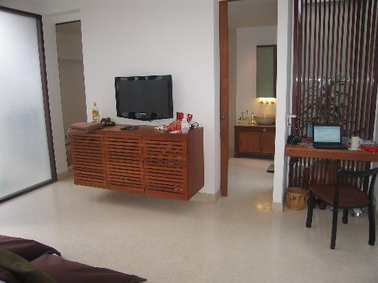 Let's Sea Hua Hin Al Fresco Resort: Pooolside room