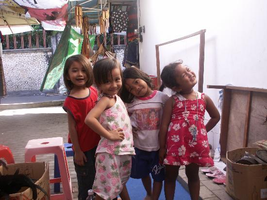 Club Med Bali: Adorable local children