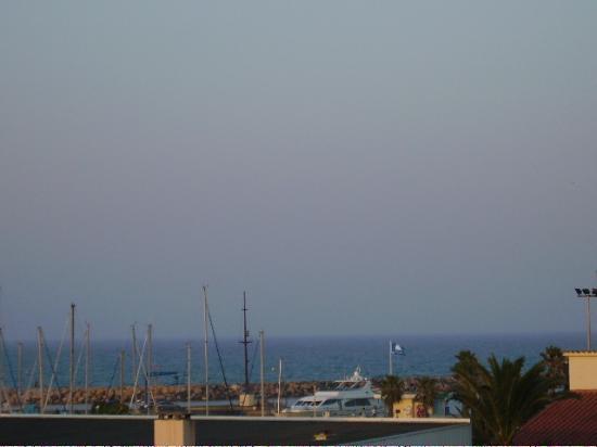 Hotel du Port : vue sur mer ( de la chambre )