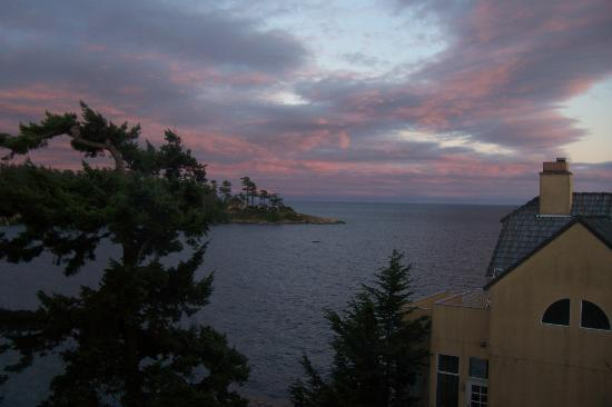 Rosemary Inn: Sunset from South Pacific room