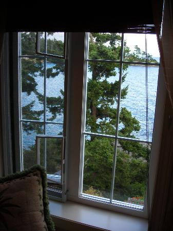 Rosemary Inn: View from South Pacific room