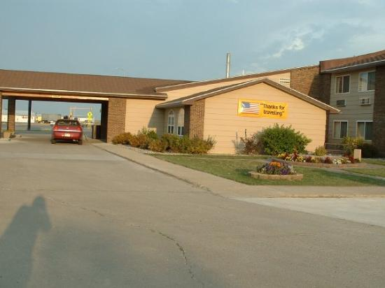 Fireside Inn & Suites: Comfort Inn - Devils Lake