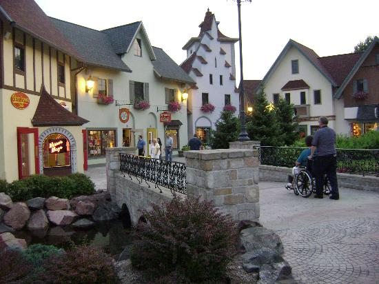 Frankenmuth River Place shopping