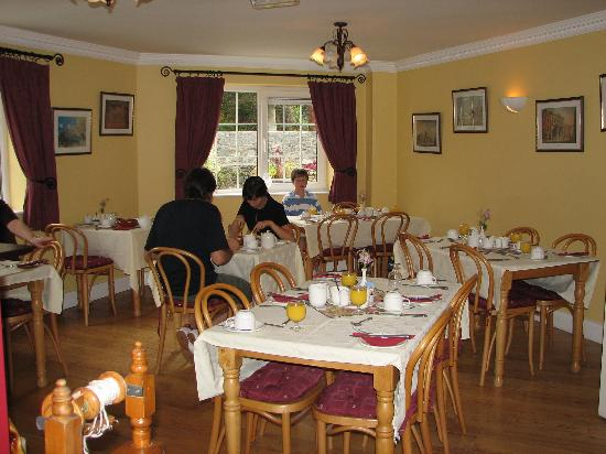 Robeen House Breakfast Room