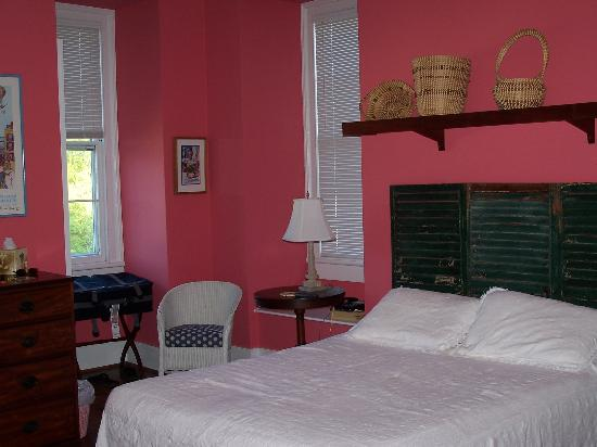 15 Church Street Bed & Breakfast - Phillips-Yates-Snowden House: The Rose Room