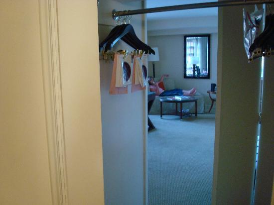 Renaissance Indian Wells Resort Spa Closet Between Bathroom And Bedroom