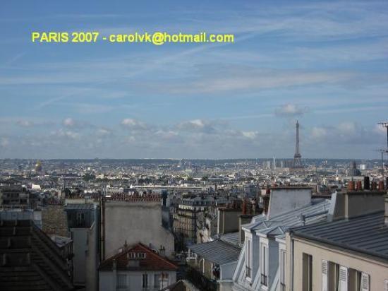Comfort Hotel Place du Tertre: Vistas desde la habitacion