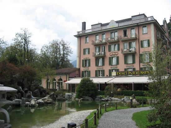 Hotel Interlaken: Side view