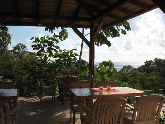 Alma de Ojochal: Dining area