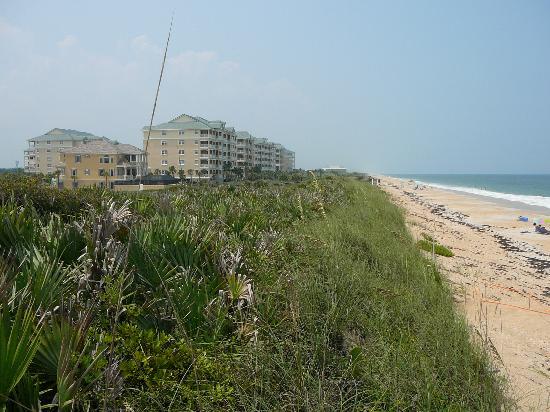 Cinnamon Beach at Ocean Hammock Beach Resort: vue des condos et de la plage