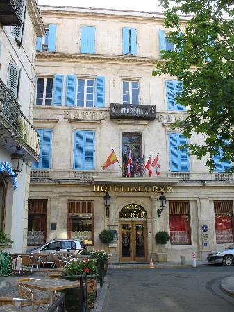 Hotel du Forum : The hotel front