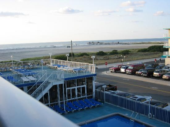 Pool Area Picture Of Adventurer Oceanfront Inn Wildwood