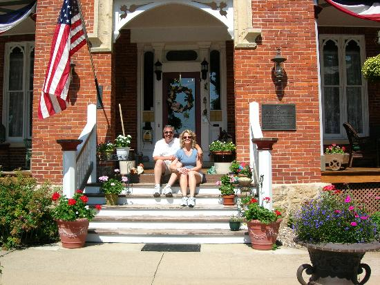 The Steamboat House: Steamboat House front porch