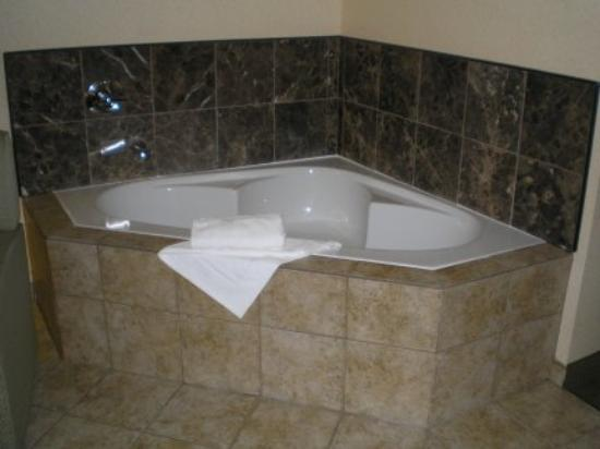 Jacuzzi Hotel Rooms In Long Beach Ca