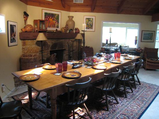Sequoia River Dance B&B: Dining Room