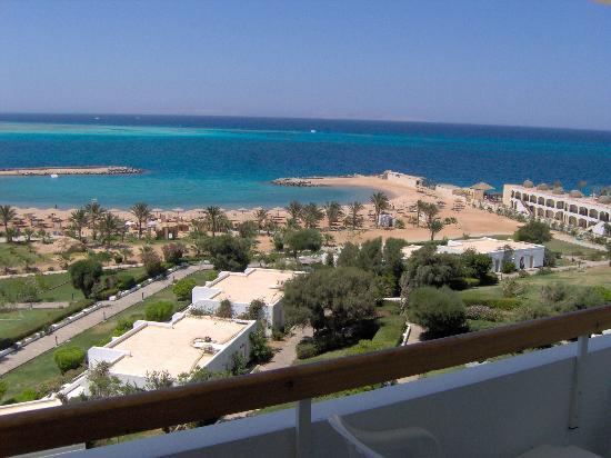 Hilton Hurghada Plaza: vista de la playa