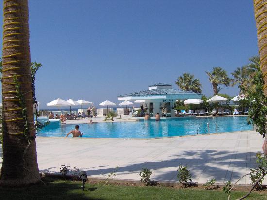 Hilton Hurghada Plaza: vista de la piscina