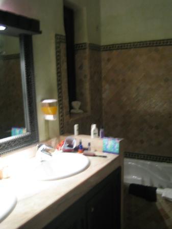 Les Borjs de la Kasbah: The bathroom