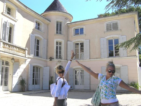 Chateau d'Alpheran : the girs and the Chateau d' Alpheran