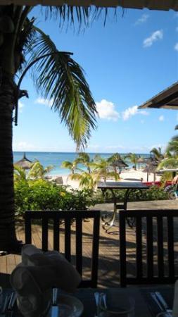 Victoria Beachcomber Resort & Spa: Restaurant, view 2